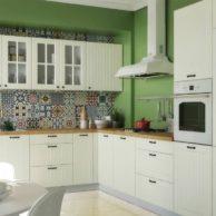 kuchnia lora w stylu prowansalskim